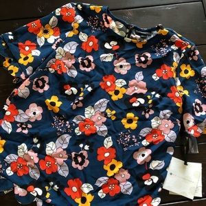 Gorgeous Spring floral top NWT